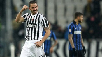 "Juventus' Italian defender Leonardo Bonucci (L) celebrates after scoring during the Italian Serie A football match Juventus vs Inter Milan on February 28, 2016 at the ""Juventus Stadium"" in Turin. / AFP / MARCO BERTORELLO (Photo credit should read MARCO BERTORELLO/AFP/Getty Images)"